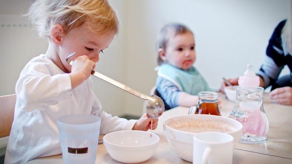 Unser Mittagessen schmeckt auch den Kleinsten in der Kindertagesstätte im Familienzentrum Schillerstraße in Heilbronn